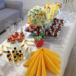 Общий вид свадебного welcom-фуршетного стола